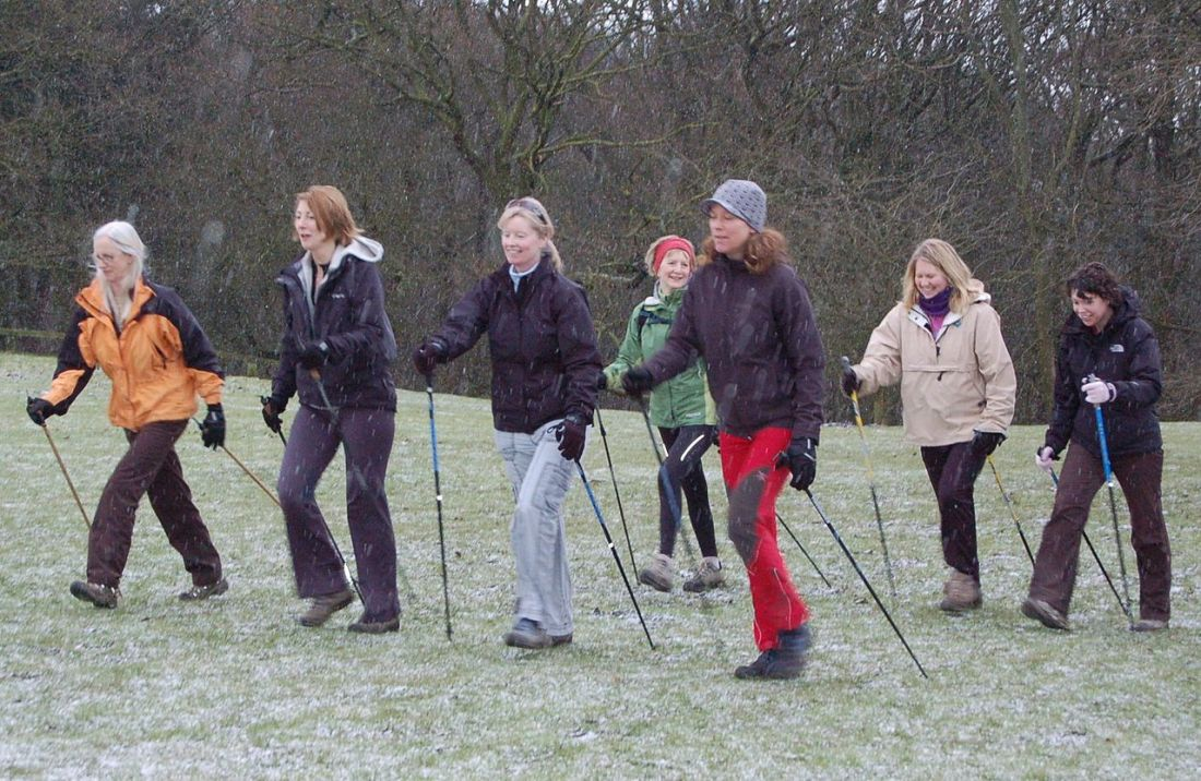 1280px-Nordic_Walkers_near_Ilkley_020
